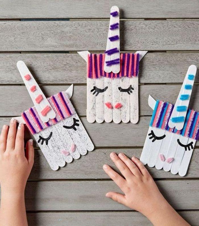 activité avec batonnets de glace, exemple d activite enfant 4 ans en batonnets, fils de laine et paillettes pour fabriquer un jouet licorne
