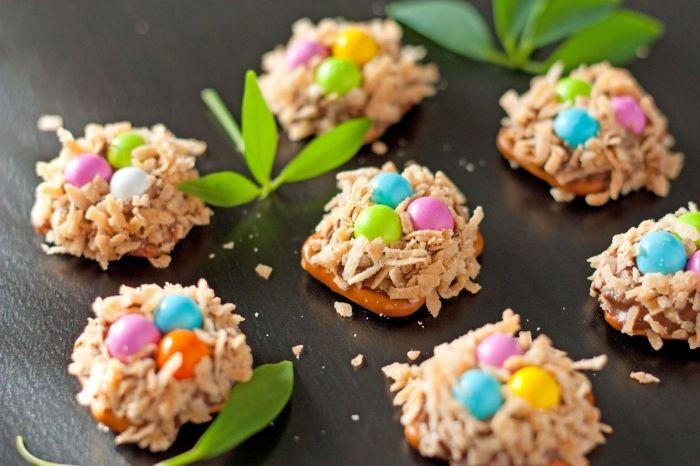 amuse-bouches faciles et rapide pour la fête de pâques, idée de recette nid de paques simple avec décoration bonbons