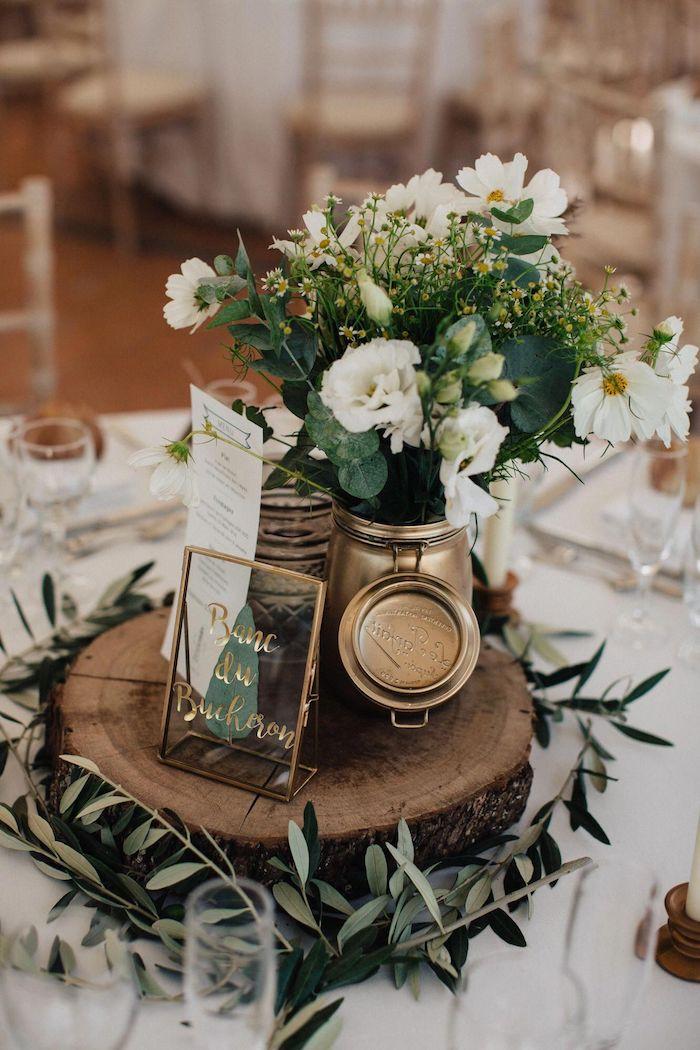 Bois flotté centre de table rangé de vase avec bouquet fleurs de champ, deco champetre mariage, choisir le style bohème pour son mariage