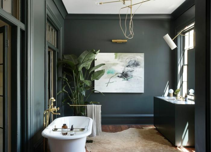 Quelle nuance du vert choisir pour une salle de bain stylée, salle de bain colorée, décoration murale salle de bain moderne avec baignoire vintage