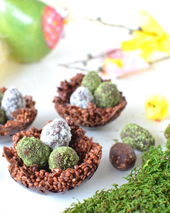 comment faire un dessert de paques sain, idée recette sucrée healthy avec energy balls en forme d'œufs de Pâques
