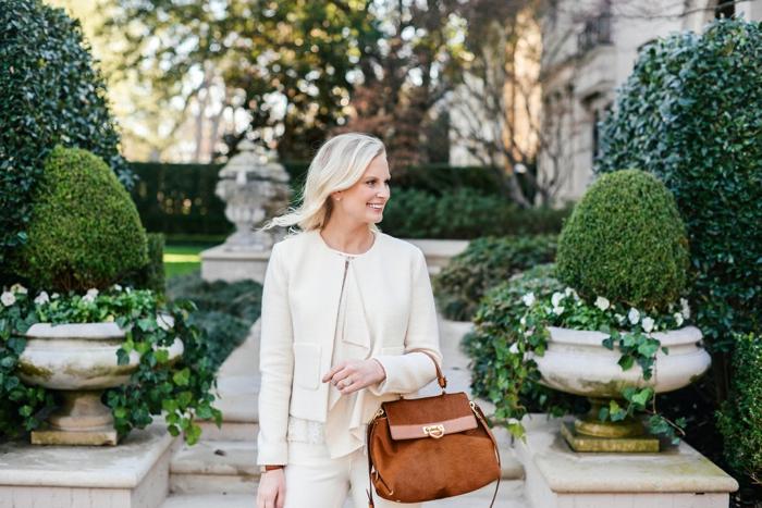 Veste en cour blanc, vêtements femme chic à monochrome tenue, tailleur blanc pour femme tendance 2020