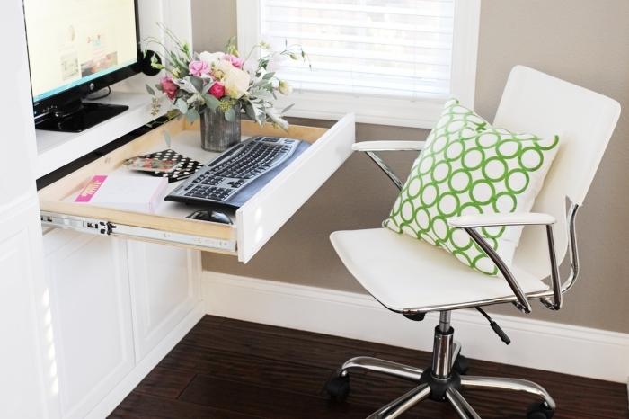 comment faire un coin office à la maison sans acheter de mobilier, idée aménagement bureau facile dans un meuble rangement