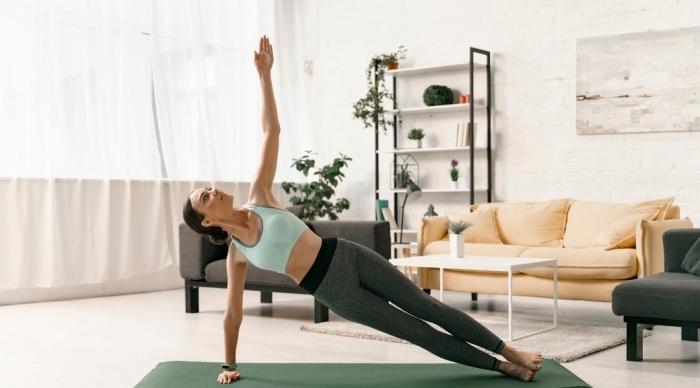 programme musculation haut du corps à la maison, comment pratiquer du sport chez soi sans équipement de sport