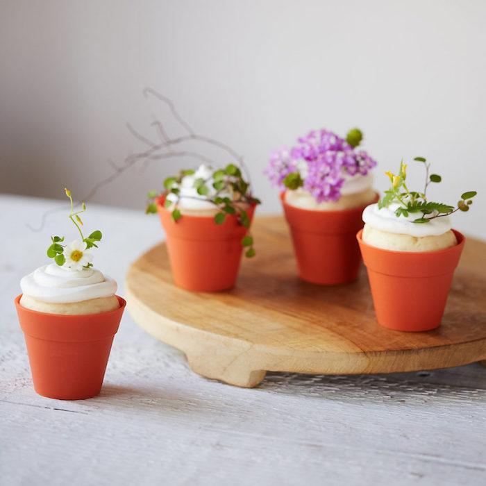 Pot cupcake fleurs comestibles idee cadeau original de paques, cadeau a faire soi meme facile