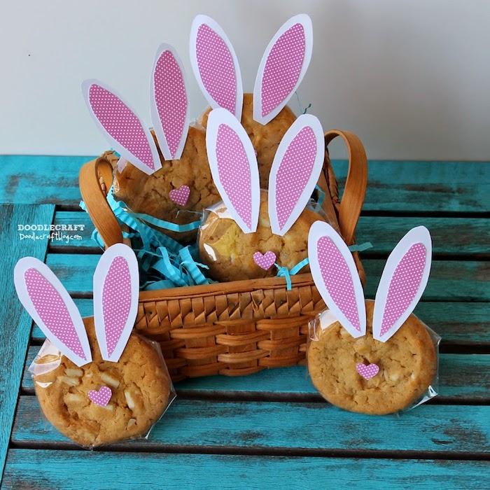 Biscuits emballées uniquement avec oreilles lapin, cadeau a faire soi meme, paques cadeau original a fabriquer