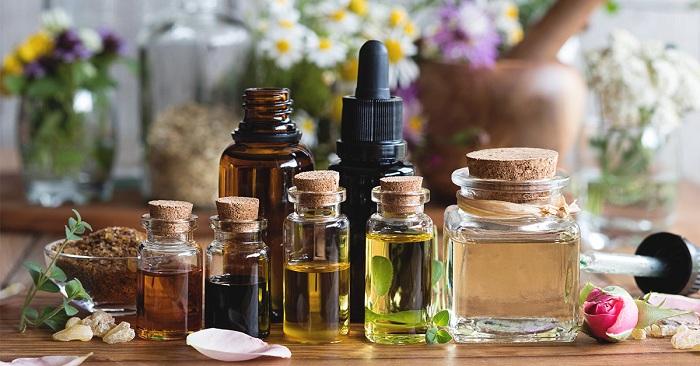 Les huiles essentielles pour purifier, assainir et parfumer sa maison