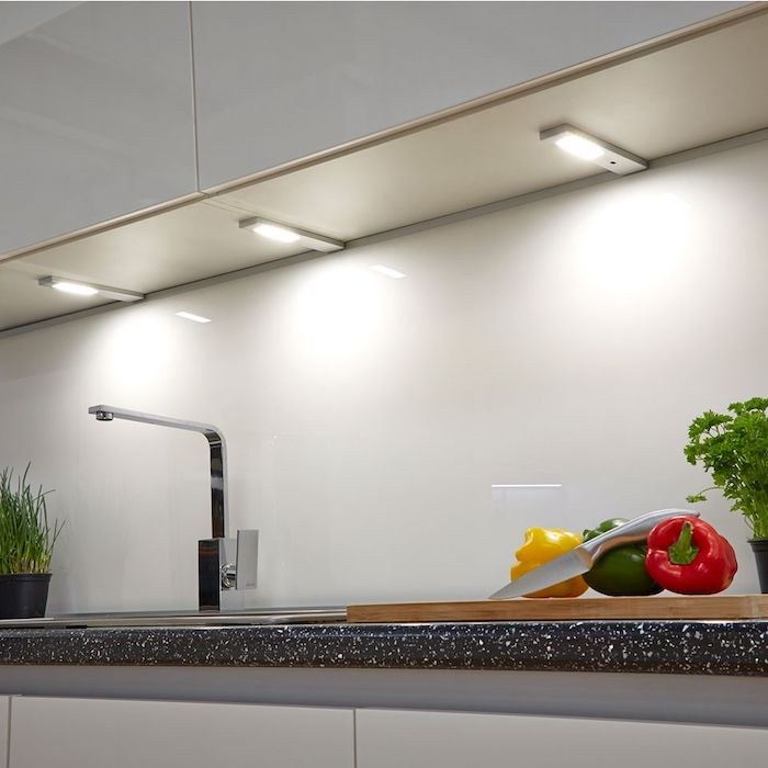 L'éclairage direct par spot LED dans sa cuisine ou sa salle de bain permet un confort au quotidien