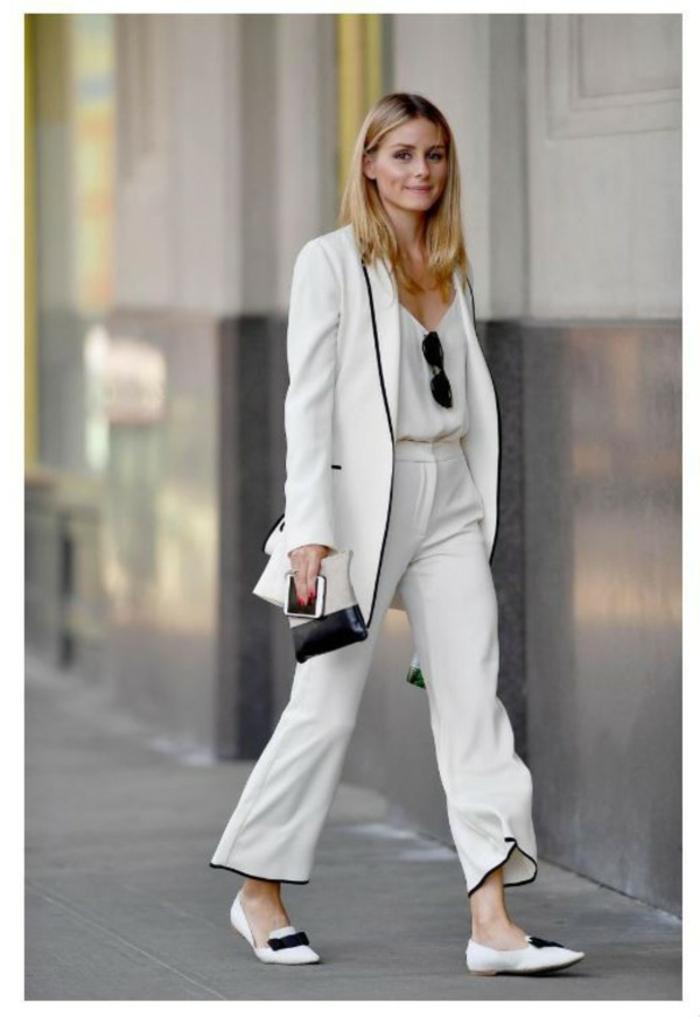 Olivia Palermo tenue blanche avec détails noirs, tailleur pantalon femme pour ceremonie mariage, belle tenue pour femme