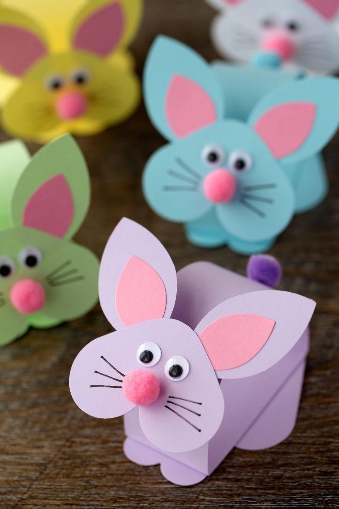 activite enfant 2 ans, fabriquer un lapin de paques en maternelle dans papier avec de syeux mobiles et pompon pour le nez