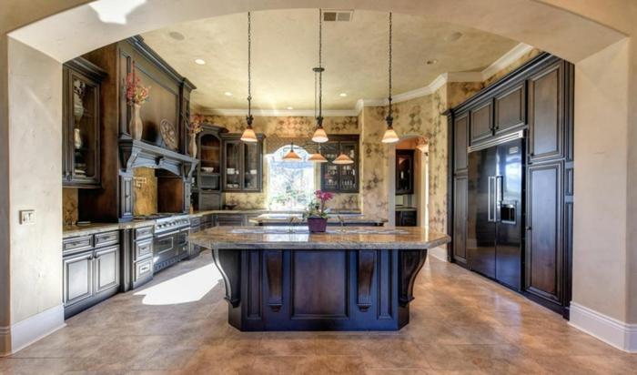 Arche pour entrer dans la cuisine blanche et bleu, stylée deco bleu marine ou nuit ilot en bois massive