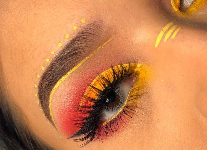 idée de maquillage artistique originale avec lentilles, make-up des yeux avec eye-liner jaune à motifs pointillés