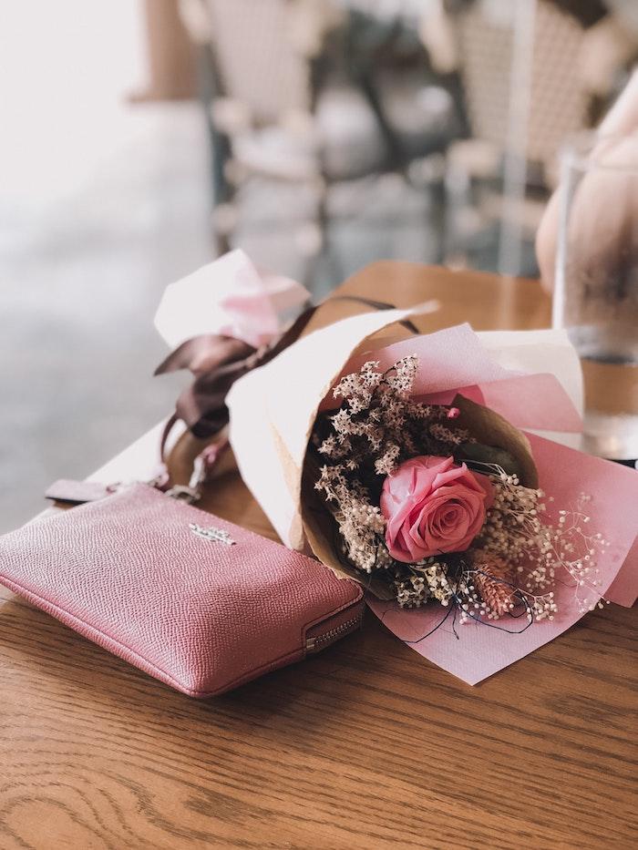 Offrir un bouquet printanière pour la fete de paques, idée bricolage paques facile, décoration de paques à fabriquer