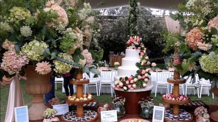 Geant gateau fleurie deco table champetre, deco mariage champetre centre de table fleurs champetre