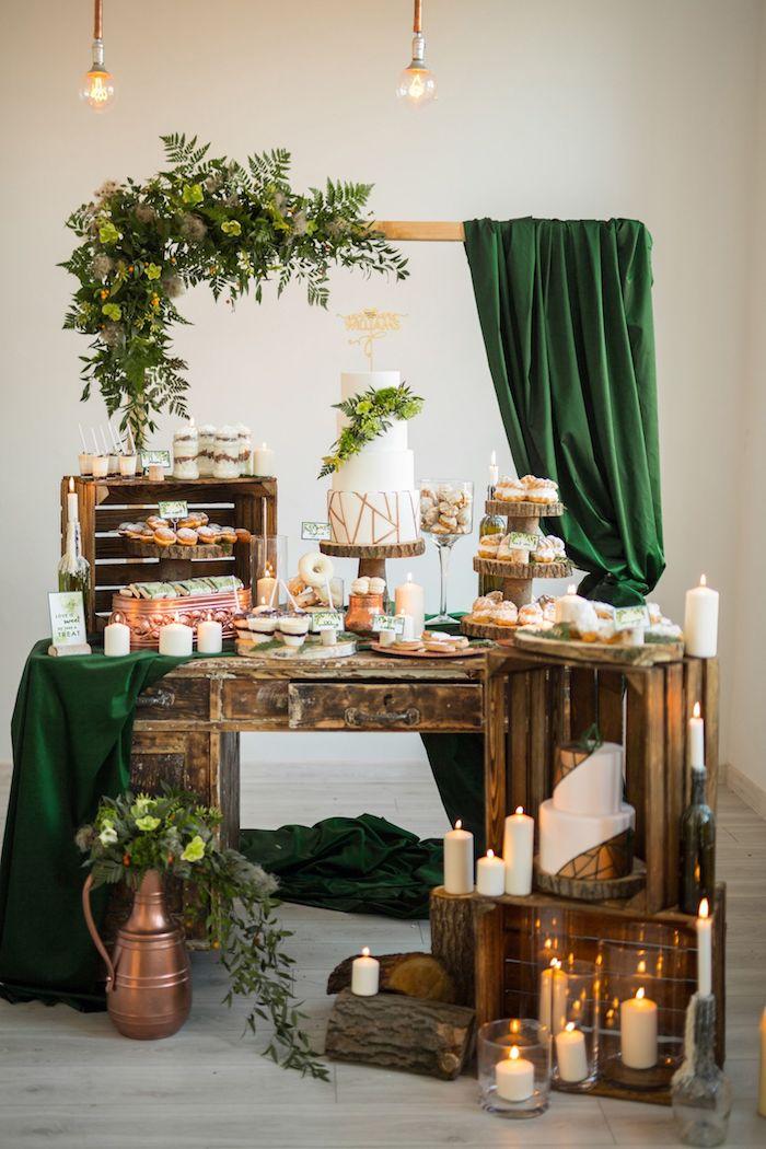 Cool idée comment décorer la table avec les gâteaux de mariage, centre de table mariage champetre, decoration mariage champetre