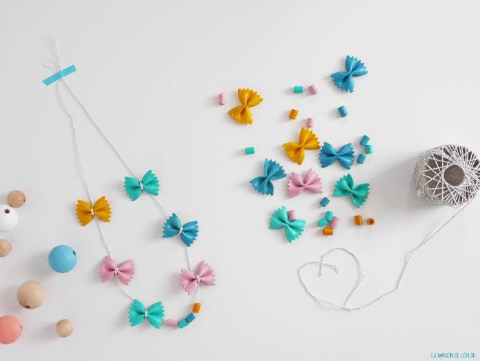 faire un collier avec des pâtes colorées de peinture acrylique, idee de cadeau fete des mere a fabriquer soi meme