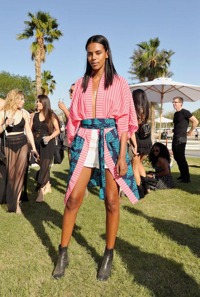 Comment s'habiller pour être la vedette de la journée a un festival, idée inspiration coachella style, tenue coachella tendance look