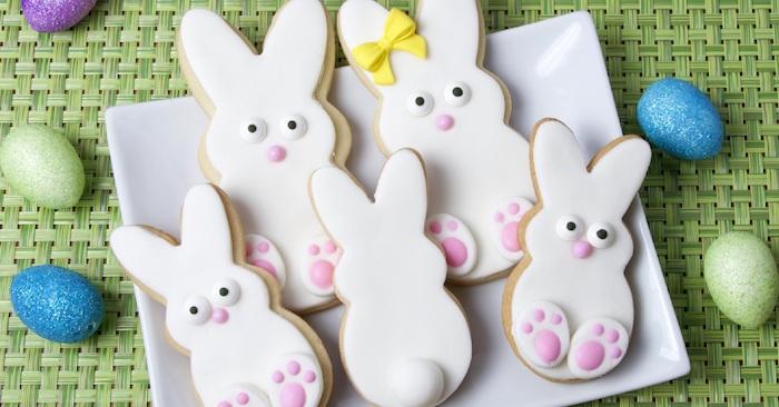 Biscuits décorés comme lapins sucrés, cadeau paques bébé, cadeau de pâques à offrir à ses proches