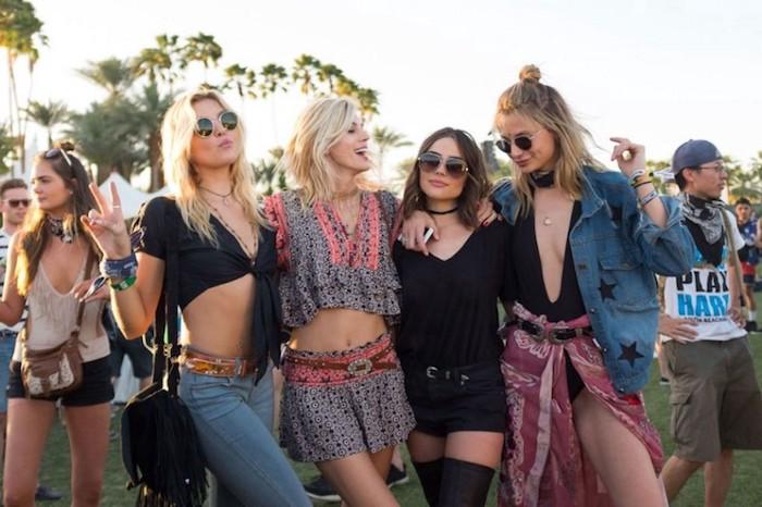 Meilleure amie photo, idée comment s'habiller pour Coachella, robe boheme longue, femme stylée tenue festival Coachella