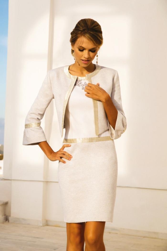 Tailleur femme chic mariage, tenue unique pour une occasion spéciale, veste blanche et robe