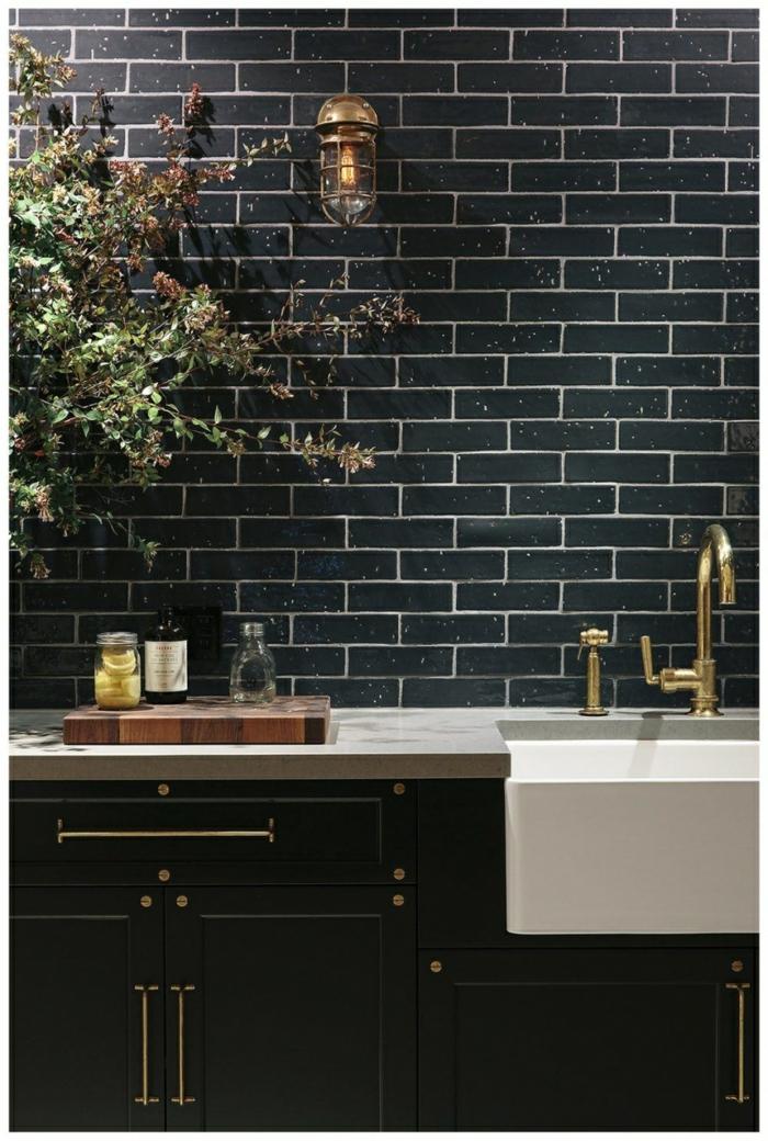 Moderne idée pour la cuisine noire ou bleu sombre, couleur gris bleu, quelle est la plus belle cuisine luxueuse, idee cuisine