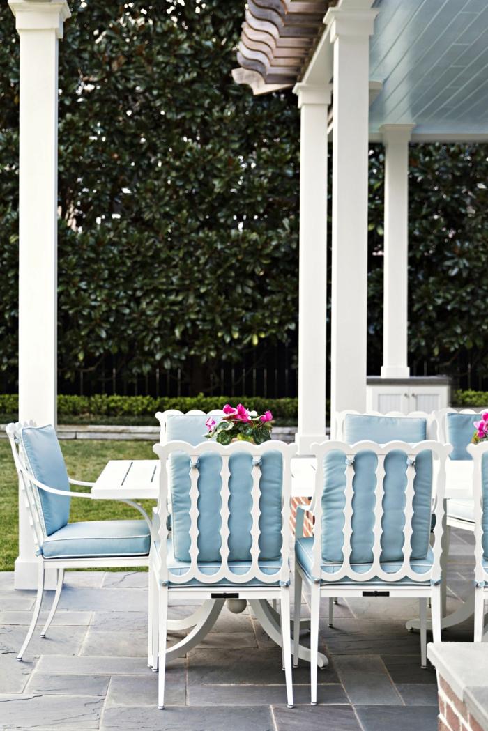 Belle photo déco bleu et blanc meubles jardin, idees terrasses exterieures, le plus beau jardin du monde
