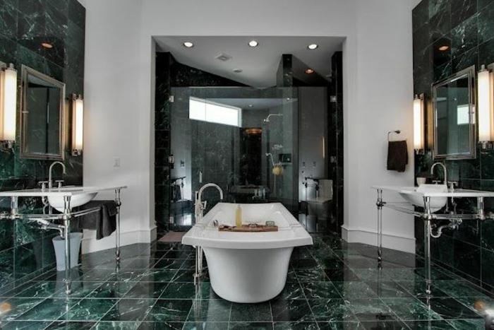 Le marbre vert, mur blanche, baignoire couleur salle de bain, peinture vert d'eau salle de bains zen