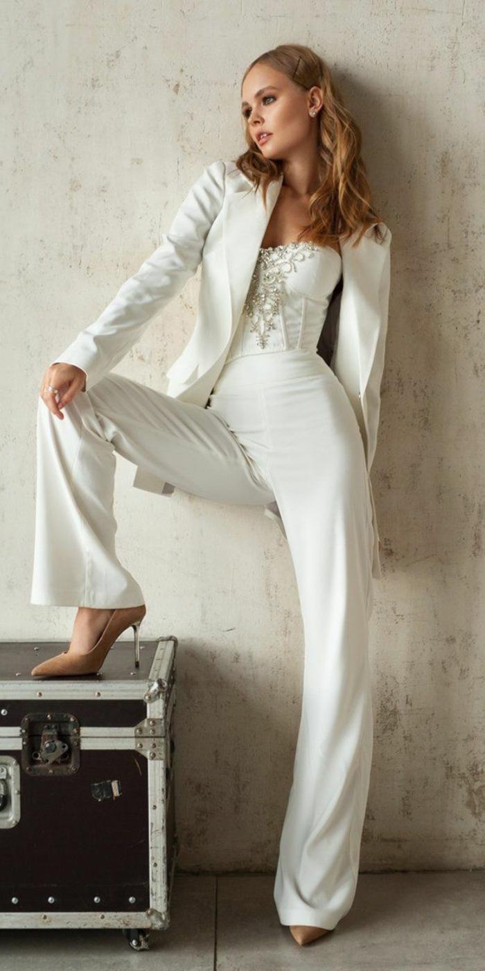 Combinaison élégant blanc mariage, veste blazer femme, tailleur blanc pour femme stylée