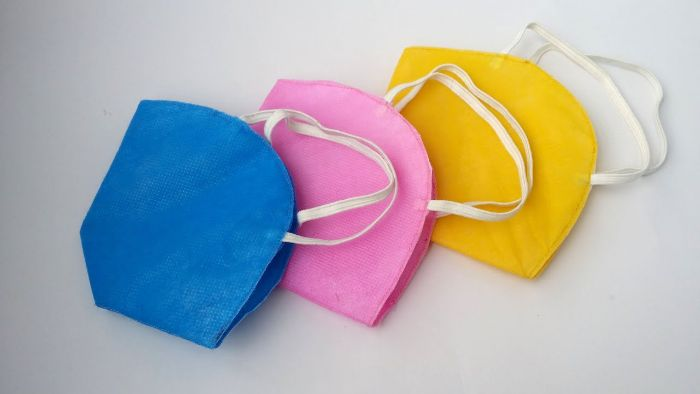 idee de masque coronavirus tissu avec elastique a faire soi meme, idee barriere virus facile, tuto couture