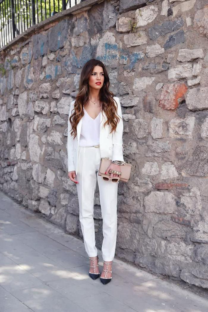 Femme tenue de ville, chaussures à la mode, smoking femme, tailleur blanc pour femme tendance 2020