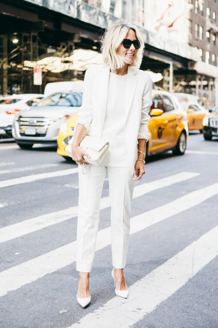 Street style new york, photo de femme en veste tailleur femme, tailleur pantalon femme tenue chic féminine