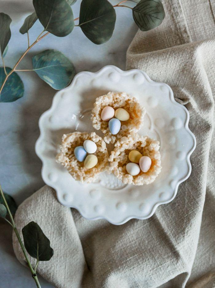 quel dessert paques facile à faire soi-même avec peu d'ingrédients, idée préparation amuse-bouche de pâques facile