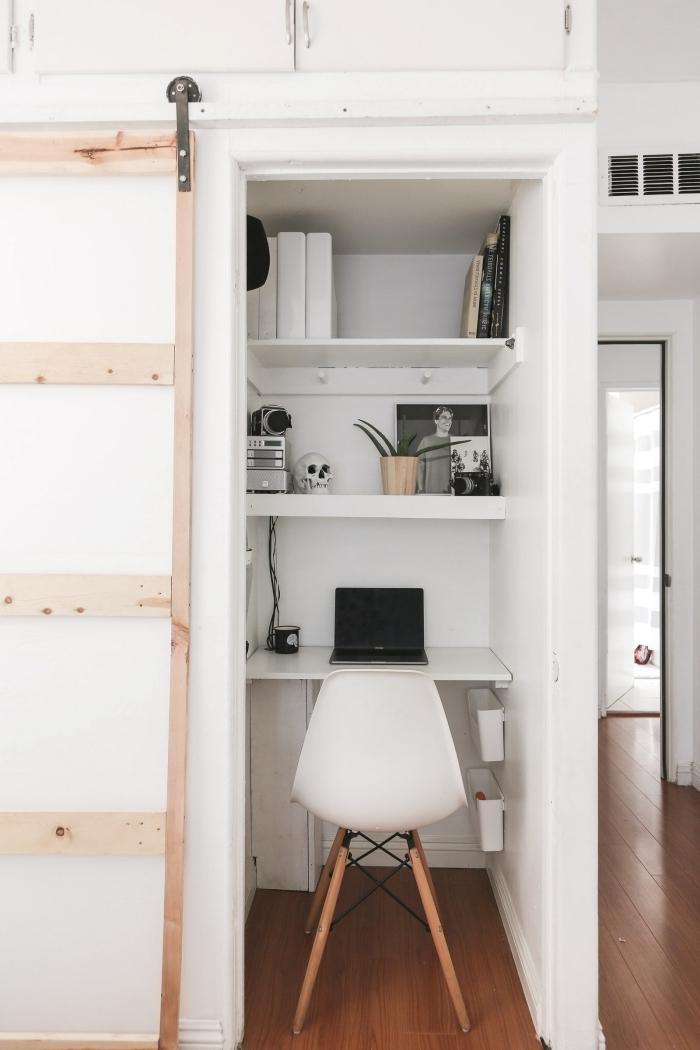 comment faire un espace de travail dans sa garde-robe, idee bureau à domicile intégré dans une chambre à coucher