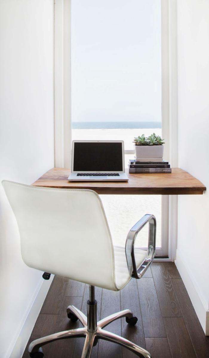 idée comment faire un coin bureau maison dans un couloir, aménagement coin home office avec bureau DIY en planche bois