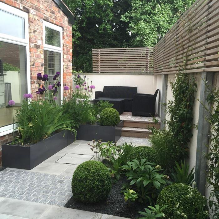 Petit espace derrière la maison meublé et paysagé aménagement terrasse de jardin, amenagement petite terrasse