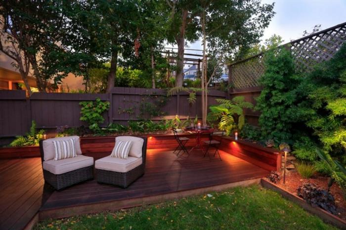 Jardin veranda en bois, pelouse verte, fauteuils amenagement terrasse jardin, quels meubles de jardin choisir