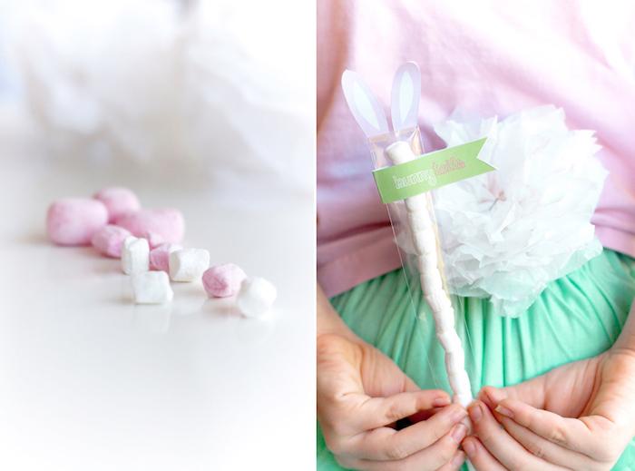 Marshmallow rose et blanche dans pochette de deuille cadeau a faire soi meme, paques cadeau original a fabriquer