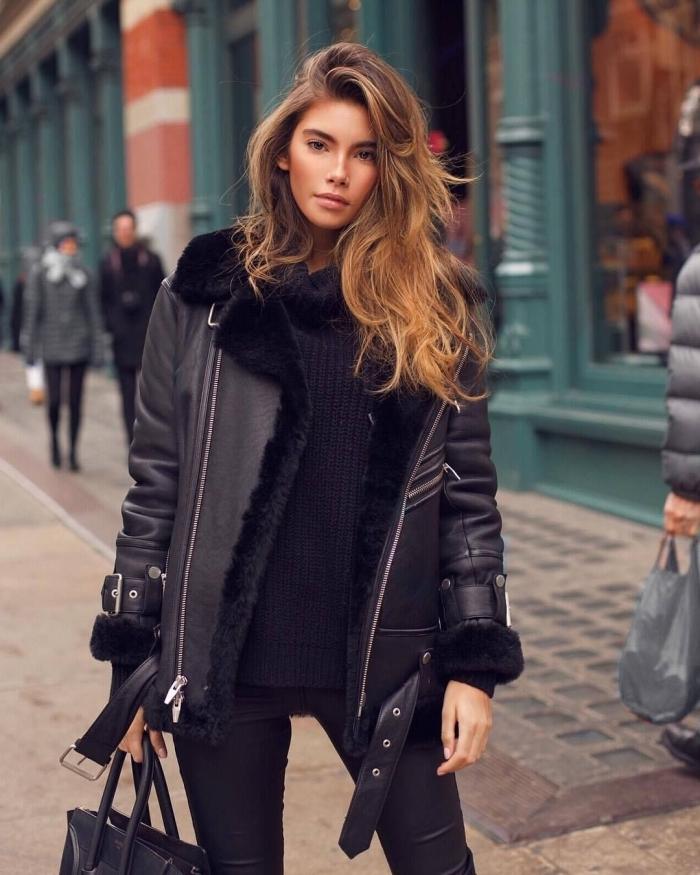tenue noire overall avec pantalon et pull, modèle de veste oversize femme tendance printemps 2020 de type aviateur