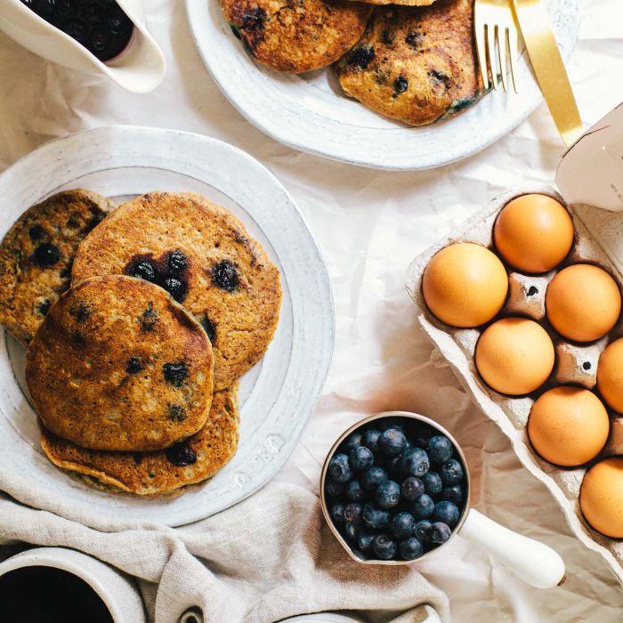 recette pancake americain sans gluten aux myrtilles, recette low carb riche en bones graisses