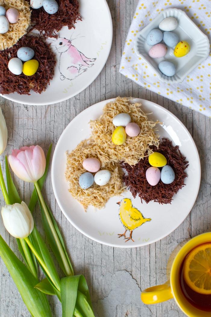 idée comment réaliser un nid de paques facile avec nouilles frites et cacao en poudre, exemple de dessert original pour Pâques