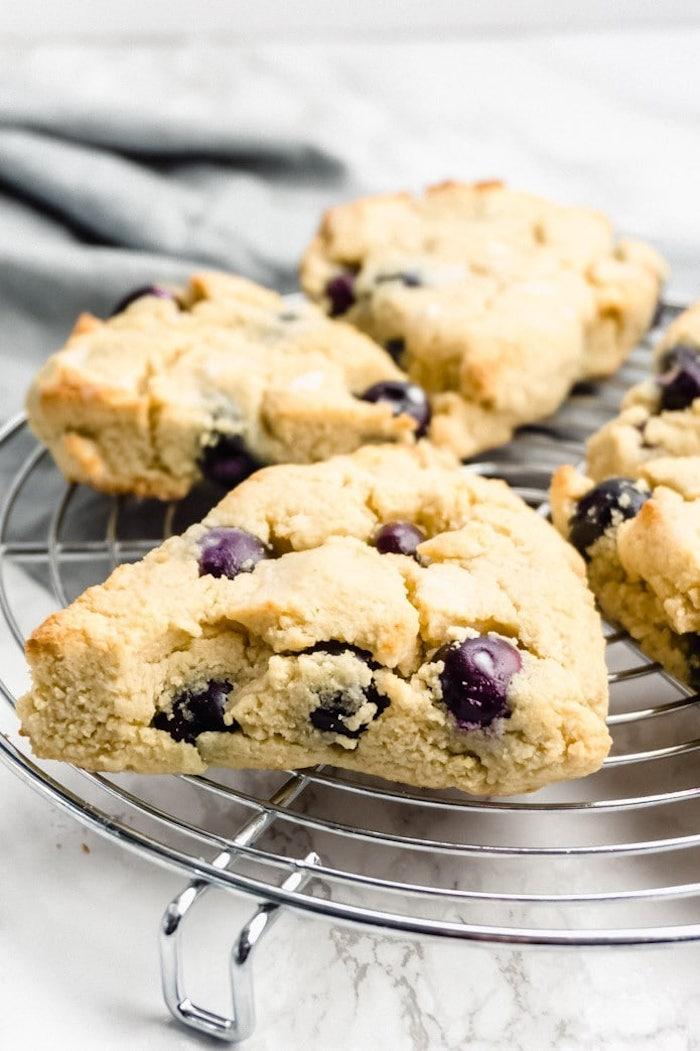 comment faire des scones sans gluten avec farine d amande aux myrtille spour son petit dejeuner cetogene