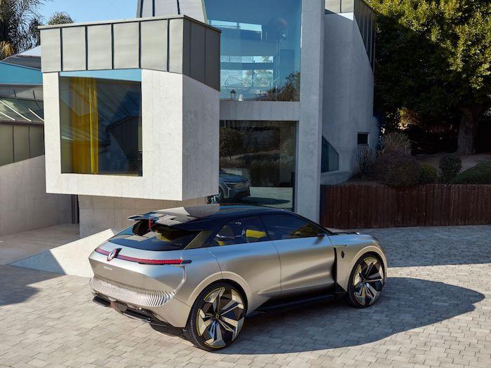 Le Morphoz de Renault dispose d'une carrosserie étirable afin d'y glisser une batterie supplémentaire pour les longs trajets