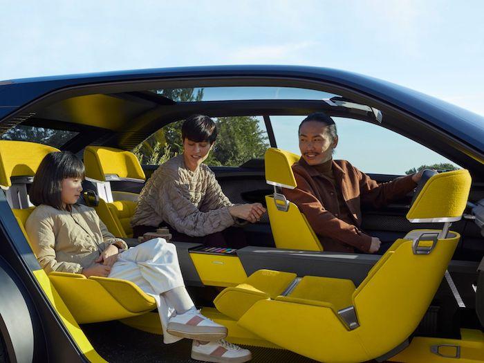 Le Renault Morphoz s'adapte aux longs trajets en allongeant sa carrosserie pour y installer une seconde batterie