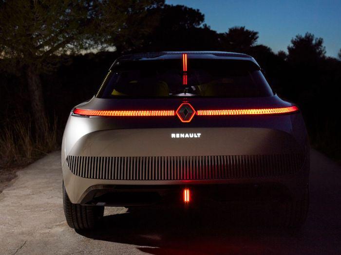 Renault présente le Morphoz, un nouveau véhicule électrique qui s'étire pour les longs trajets