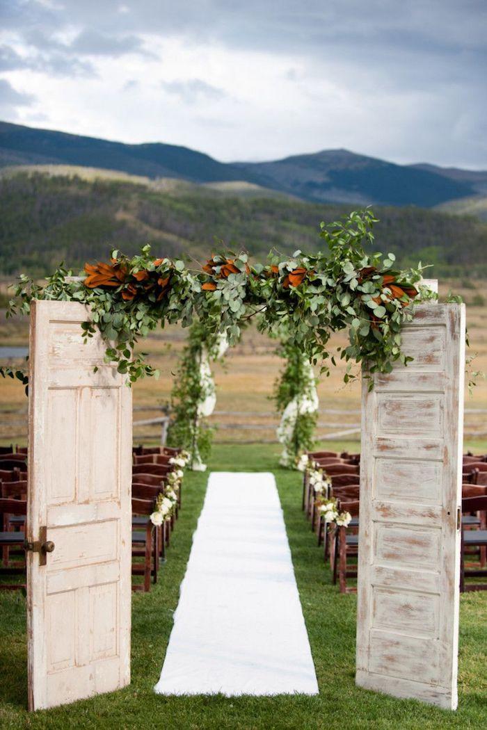 Comment faire une deco champetre, inspiration mariage champêtre chic fleurie grandes portes