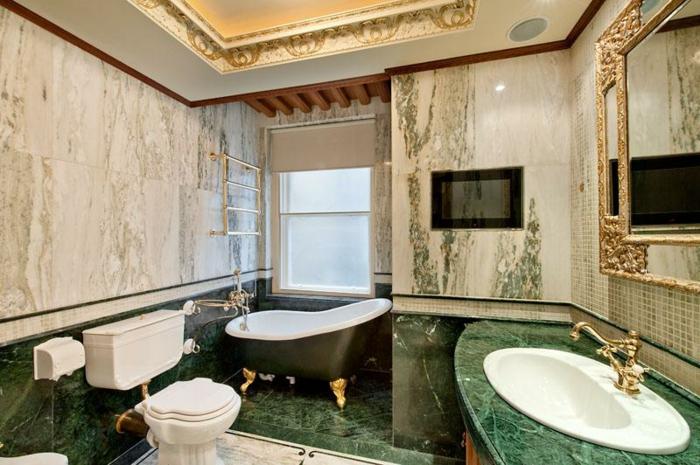 Marbre salle de bain verte, idée quelle couleur pour une salle de bain choisir beige en association de vert