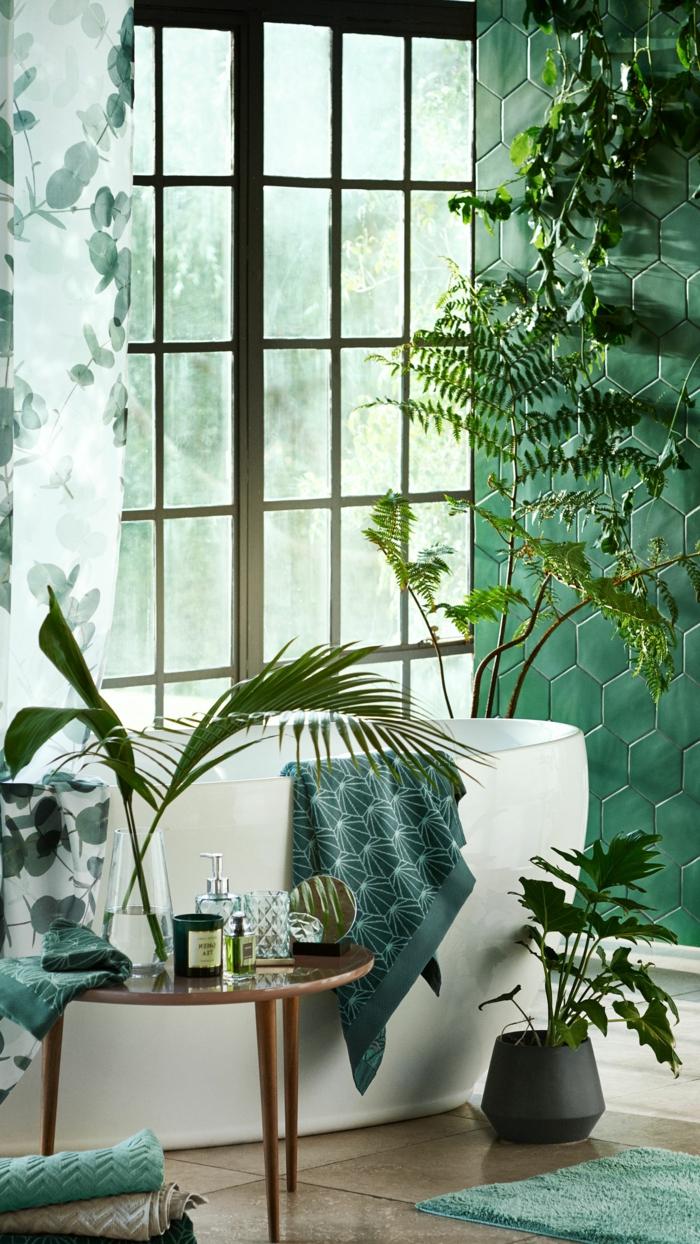 Magnifique idée comment ranger la salle de bain joliment décorée, couleur salle de bain, revêtements muraux pour les murs des salles de bains