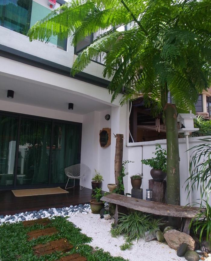 Jardin déco zen avec pierres blanches, amenagement petit jardin, decoration exterieur pour se sentir bien