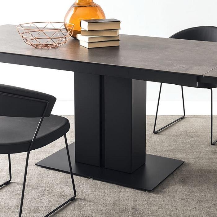 Différentes matières et formes pour trouver la table tendance idéale pour son intérieur
