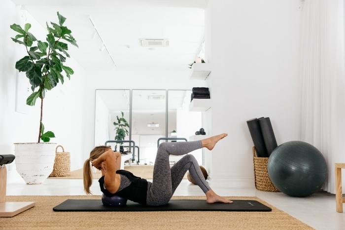 se motiver à faire du sport a la maison, conseils comment bien s'entraîner à la maison avec ou sans matériel et programmes gratuits